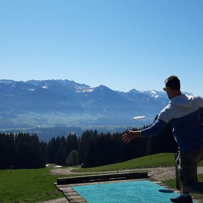 The 1st Tee in Ofterschwang with views over the Allgaeuer Alps.